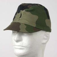 カワイイ感じの帽子で女性にも人気  作り自体が折りたためる様になっており、つばも 柔らかく丈夫な作り...