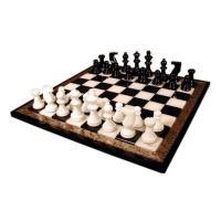 非常に美しく高級感のあるストーンチェスセットです。 マホガニー仕上げの木製の枠に 高度な技術によって...