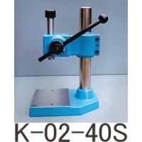 ●ラムストローク:40mm●コラム高さ:190mm●フトコロ:140mm●ラム垂直精度0.08mm以...