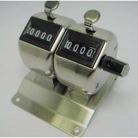 カウンターを連結させプレートに取り付けたタイプの連式カウンターで、2連式です。 各カウンターはレバー...