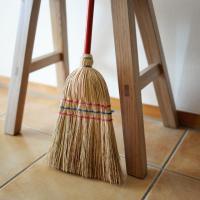 ドイツではもともと子供用掃除ツールとして販売される「レデッカー Home and Yard for ...