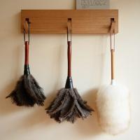 ドイツレデッカーの伝統の商品、オーストリッチの柔らかい羽毛を使った羽根はたき。こちらは手元のはたきに...