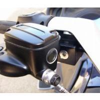 オートバイと同じ様に、右手でブレーキ操作が出来ます。 補助ブレーキとしてご使用ください。