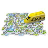 パズルパネルでコースを自由に組んで、923形新幹線を走らせるパネルワールド。軽快な動きに子供たちも夢...
