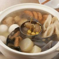 お鍋の中で混ざりやすい、おでんなどの具材をしっかり仕切れます。ステンレス製で煮汁が浸み込まず、色移り...