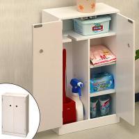 ●トイレ内の清掃用品、備品などの収納に便利なトイレ収納です。 ●棚板にスリットが入っているので、背の...