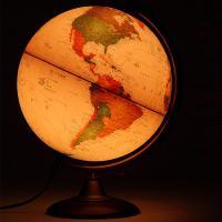 おしゃれなアンティーク調地球儀。ライト付きで幻想的なインテリアとしても楽しめます。球径:25cm/行...
