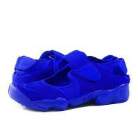 日本古来の履物である足袋からインスパイアを受けて開発された90年代中期の名作エア リフトが復刻。ファ...