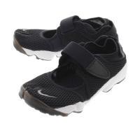 日本古来の履物である足袋からインスパイアを受けて開発された90年代中期の名作【AIR RIFT】が復...