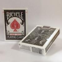 マジック用トランプの王様「バイスクル」ポーカーサイズの黒バックです。