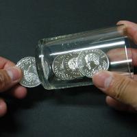 1枚のコインが2枚に分裂・・・?さらに消失、増加、移動、貫通と自由自在!(ギミックコインのみ)