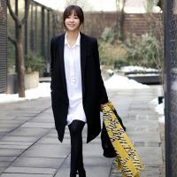 フォーマルな場所にも着ることのできるコート人気登場です! エレガントなデザインで、大人の女性の魅力を...