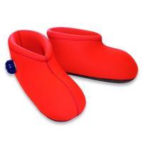 自宅で手軽に体験できる、濡れない足湯!世界初のブーツ型湯たんぽ! ウェットスーツ専門メーカーが素材に...