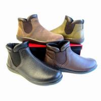 カジュアルタイプのコーディネートしやすいショートブーツ。 ライニングに吸湿発熱素材を使用したブーツで...