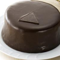 ■説明 デメルを代表するザッハトルテは、菓子職人フランツ・ザッハが考案した世界で最も有名なチョコレー...