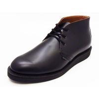 発売時は「ポリスマン、ポストマンまたステーションオフィサー(駅員)用の靴」とされていましたが、USP...