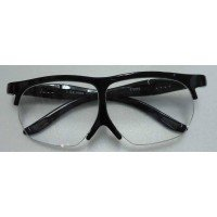 テンプル(ツル)の長さが調節できます。メガネの上からも掛けられます。軽いフレームです。 製造国:中国...