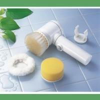 ブラシ・スポンジ・ポリッシャー(つやだし)と、3種類の使い分けで水回りのお掃除に威力を発揮!お風呂場...