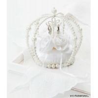 クラウン型のリングピロー。バラを上品にあしらった巻きバラタイプです。ピロー部分は縫製済みの為簡単にお...