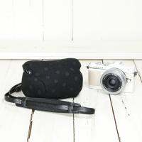 カメラケース camera case ミラーレス一眼カメラ用 カメラのお洋服 ナノ /エレガントブラックレディードット|mi-na|03