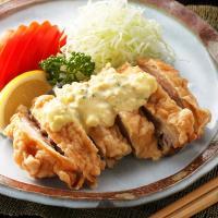 宮崎の名物料理、チキン南蛮。 宮鶏のチキン南蛮は、全て手作り・揚げたてをスグに冷凍することでしっかり...