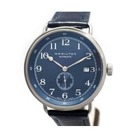 """コメント:ハミルトンの軍用時計""""マリンクロノメーター""""をモチーフに製作され、重厚感溢れるクラシカルな..."""