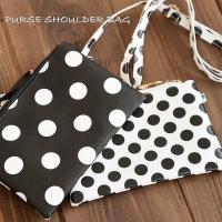 身軽にお出掛け♪お財布とバッグを兼ねているのでとっても便利! 大きめドット柄がキュート♪横:20cm...