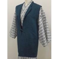 タテ糸 アクリル100% ヨコ糸 ウール100%を使用していますので、 厚手で暖かく、また袖が無い分...