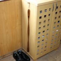 品番:KB-01 サイズ(約):長さ75cm 材質:天然木製 漆塗り  長い靴べらは、立ったままでか...