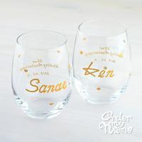 結婚祝いのプレゼントに大好評! 当店オリジナルの名入れワイングラス  デザイナーが手描きする名入れグ...