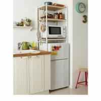 ひとり暮らし用の小さめ冷蔵庫がスッポリ入る、冷蔵庫ラック。棚板3枚で、食器やストック食材、キッチン雑...