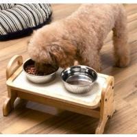 ペットのための食事テーブル!犬の食道は横向きなんです。食器をテーブルに置くことで、エサの飲み込みがス...
