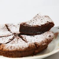 【ワケあり】焼き上げのふくらみが均一でないだけで、美味しさはそのまま。濃厚なチョコレートのしっとりと...