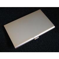 アルミのカラー名刺入れ(名入れサービス中)です。  色はゴールドです。   寸法は60x93x7(m...