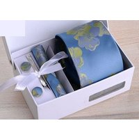 ネクタイ ポケットチーフ タイピン カフス フラワー柄 刺繍風 4点セット (ブルー)