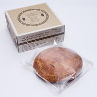 【秋田・大潟村産の小麦粉を使ったパイ生地と地元横手で収獲された紅玉りんごで作ったアップルパイです。】...