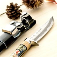 400年以上続く、伝統ある土佐打刃物のアウトドア用ナイフ猪鉈です。伝統工芸士である鍛冶職人の作品とな...