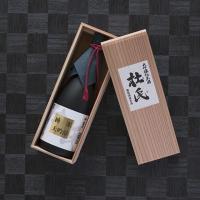 蔵元は秋田県横手市で大正3年から創業。地元の酒米と天然の仕込み水、蔵付き酵母を使用して醸し上げた地酒...