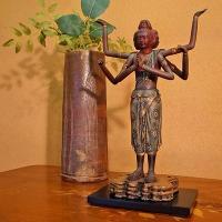 天平文化が生んだ、仏像彫刻の傑作 阿修羅像。元来『戦いの神』として知られてきました。三つの顔、そして...