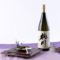 """江戸時代の発祥、明治22年創業以来""""品質第一主義""""をモットーに酒造りを続ける「桃川」の吟醸酒です。「..."""