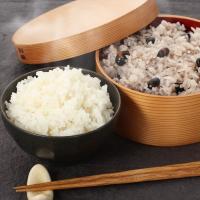 【j簡単に炊ける黒豆ごはんセット】福岡の米どころ朝倉のお米を真空パックにしました。 水と緑に恵まれた...