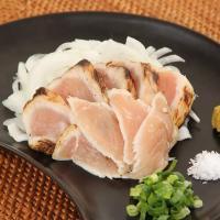【ジューシーで香ばしい、宮崎郷土の味】養鶏農家だからこそできる鶏のたたき。宮崎の名物料理、鶏のたたき...