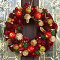 【おしゃれなクリスマスリースを玄関やリビングに飾りつけ】 素朴な風合いと自然素材だから出せる可愛らし...