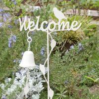 【お客様をお出迎え!お庭のウェルカムピック】 お家の玄関廻りやアプローチのちょっとした所にガーデンピ...