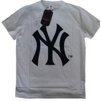 Majestic 大リーグ ニューヨークヤンキース 半袖Tシャツ  インナーにアウターにいかがでしょ...