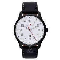 トミーヒルフィガーのラウンド型腕時計です。 腕に馴染む肌あたりが柔らかいレザーを使用しています。 シ...