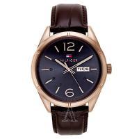トミーヒルフィガーのラウンド型腕時計です。 腕に馴染む肌あたりが柔らかいレザーを使用しています。 ロ...