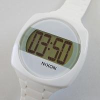 大きなデジタル表示が特徴のニクソンダッシュ。こちらは男性、女性共にお使い頂ける腕時計です。 存在感の...