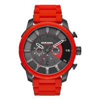 クロノグラフ、デイカレンダー機能搭載のラウンド型腕時計です。 12時位置にはブランド名を配置。 ギフ...