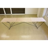 開くと3連式のテーブルになります。 机に0〜290の1cm刻みでテーブルにプリントされていますので、...